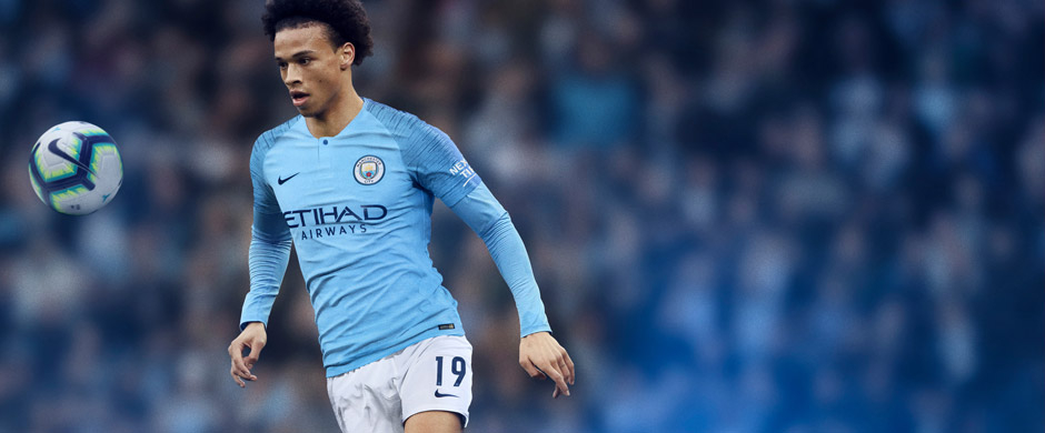 Leroy Sane presenting Manchester City home jersey 2018/19