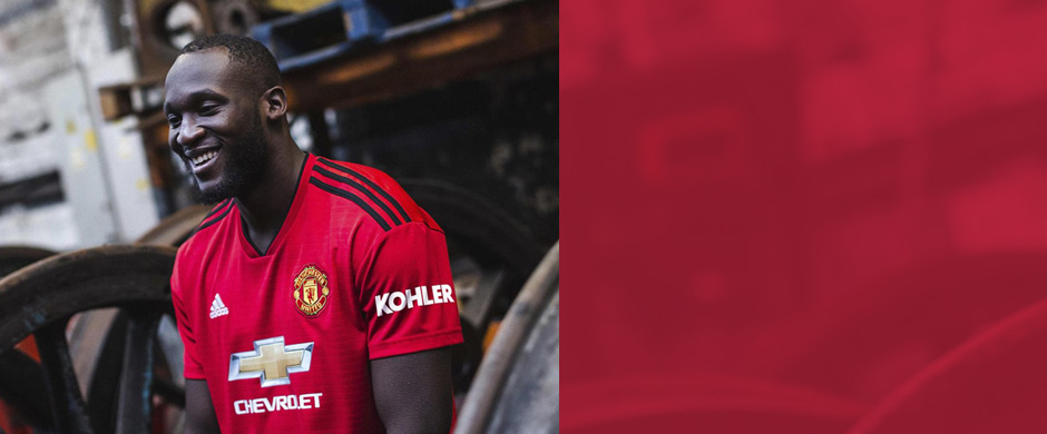 Manchester United jersey with custom print