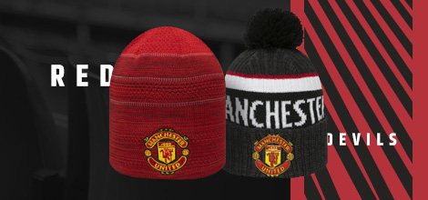 Manchester United winter accessories